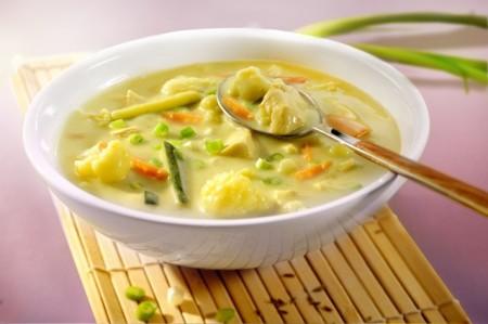 Zupa tajska z kalafijołem