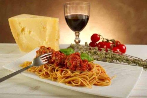 Spaghett i wino