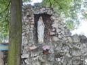 Mrzygłód - kapliczka przy kościele